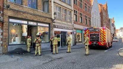 Brand in kelder van modewinkel Zara in Steenstraat