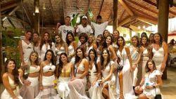 Neymar viert tussen 26 vrouwen in strandclub (en zo duiken andere sterren 2019 in)