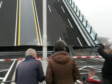 Nu al ingrijpende renovatie Amaliabrug over Gouwe bij Waddinxveen