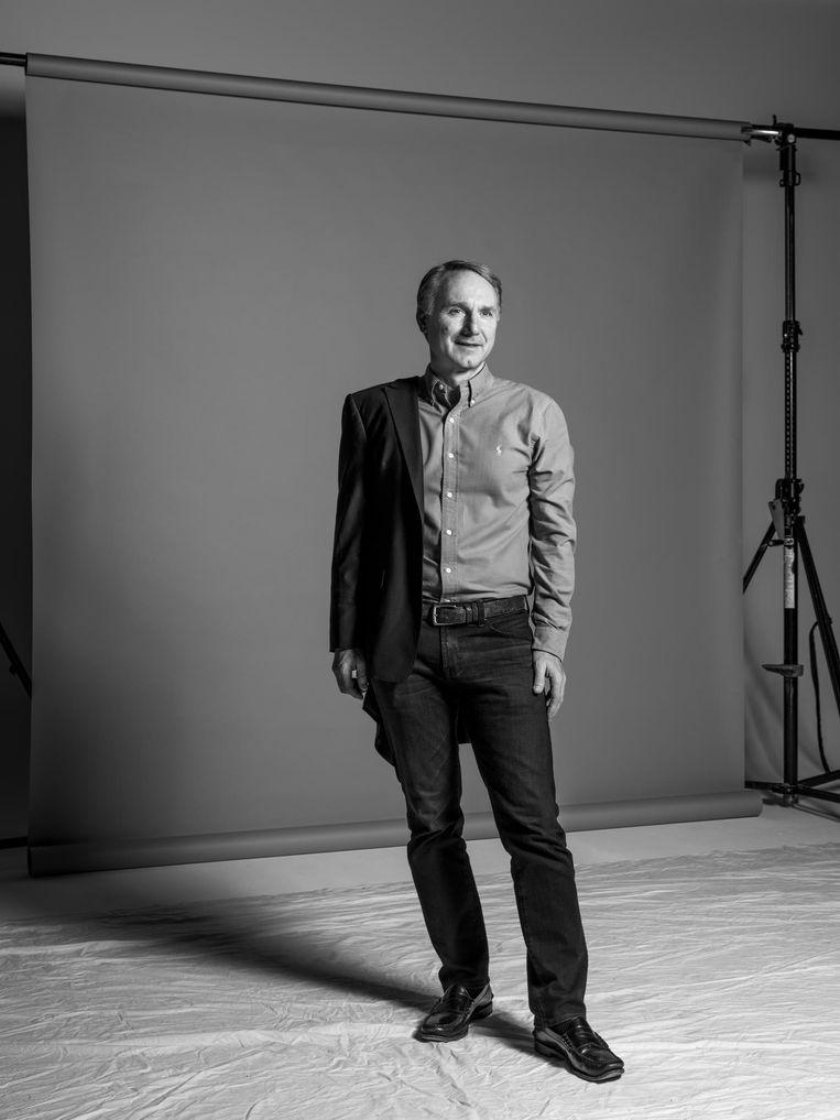 Dan Brown gefotografeerd voor Volkskrant Magazine. Beeld Robin de Puy