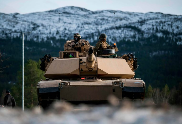 Meer dan 50.000 militairen uit 29 NAV0-lidstaten namen in oktober en november  in Noorwegen deel aan Trident Juncture: de grootste militaire oefening sinds het einde van de Koude Oorlog.