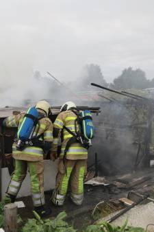 Schuren uitgebrand bij volkstuinencomplex in Soest