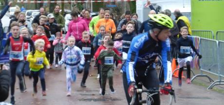 Kinderen niet achter het scherm, maar hardlopend op straat in Waspik