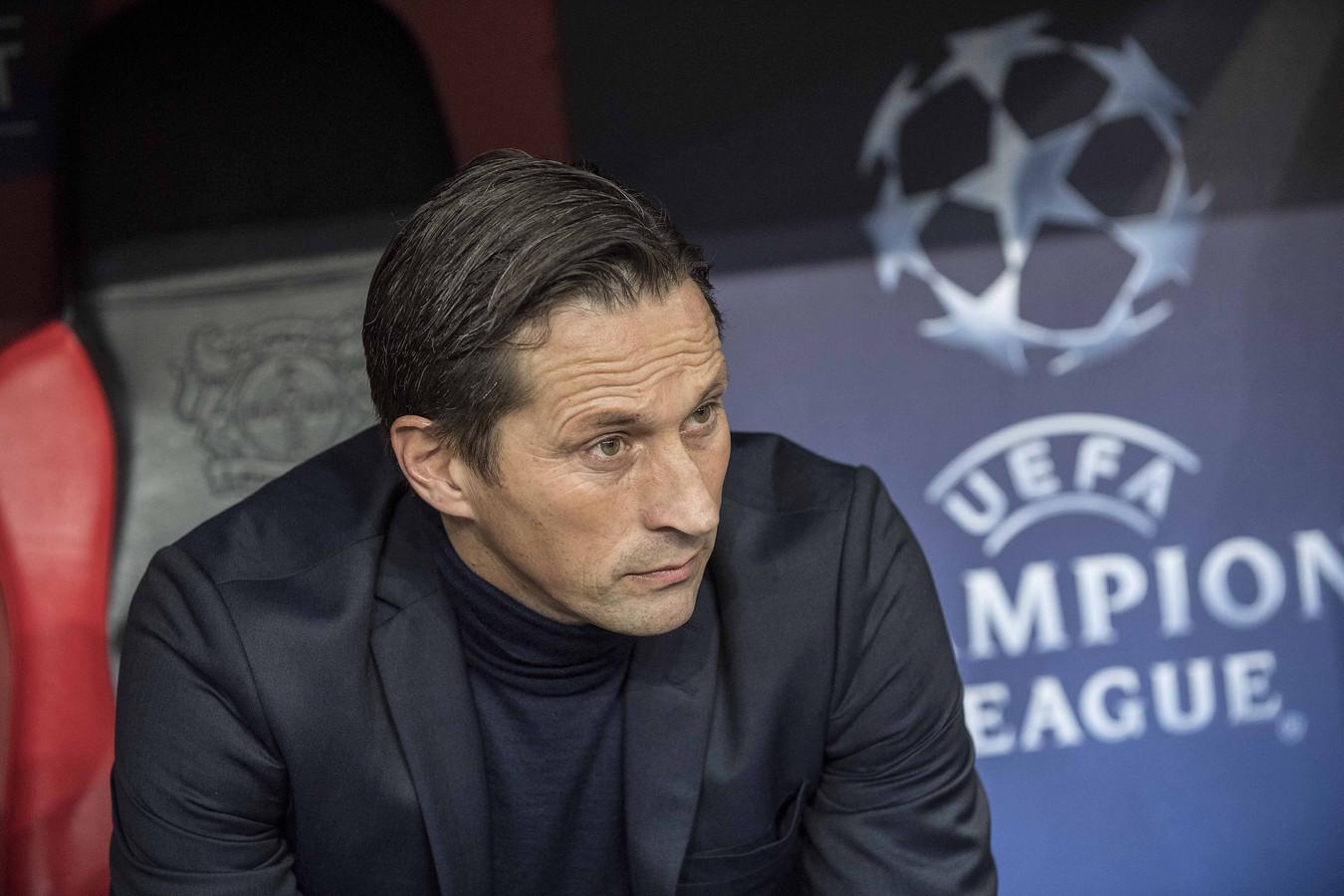 Roger Schmidt in zijn tijd als oefenmeester van Leverkusen.