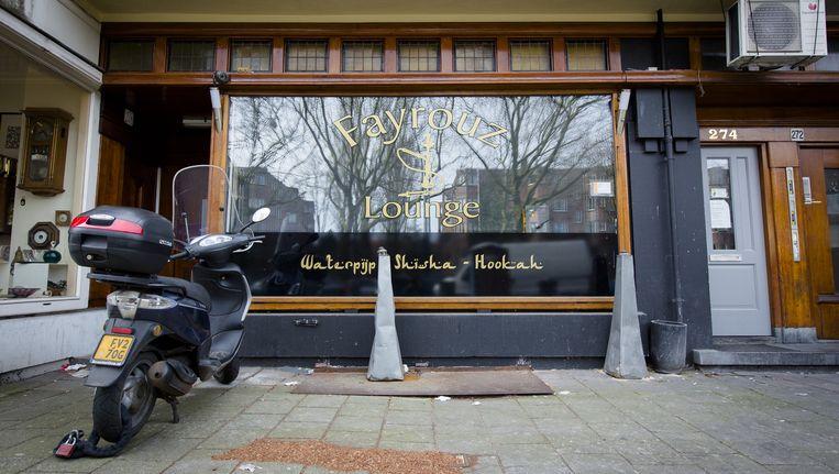 Een voorbijganger vond in de ochtend een hoofd voor het waterpijpcafé aan de Amstelveenseweg Beeld anp