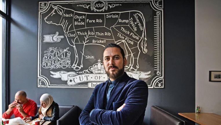 'Mensen zijn tegenwoordig gek op keurmerken', zegt Yamani Hitli, eigenaar van The Burgerhouse in Rotterdam. Beeld Foto Guus Dubbelman / de Volkskrant