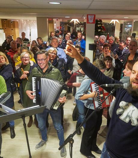 Veghelse 'kwissers' spelen samen Guus Meeuwis