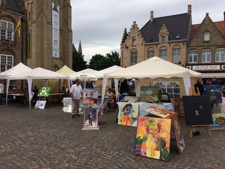 Gezelligheid troef tijdens de kunstmarkt