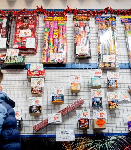 Rotterdamse vuurwerkverkopers willen afsteekverbod van tafel óf compensatie: 'Anders naar de rechter'