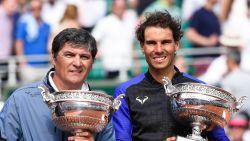 """Ex-trainer en nonkel van Nadal: """"Federer gaat geen Grand Slam meer winnen"""""""