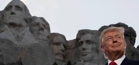 """Trump vante une Amérique """"forte"""" et """"fière"""" devant une foule sans masque alors que les infections au Covid-19 battent des records dans le pays"""