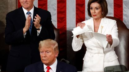 Ongezien: Nancy Pelosi scheurt speech Trump in stukken na State of the Union