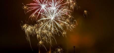 Vuurwerkprotest in Apeldoorn: elke dag om 20.00 uur gaan pijlen de lucht in