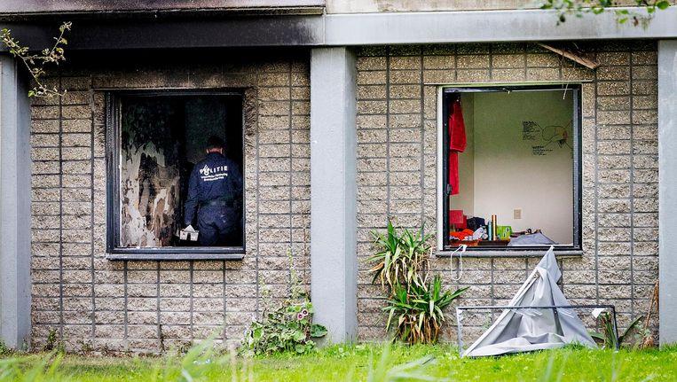 Onderzoek bij de flat waar de brand woedde Beeld anp