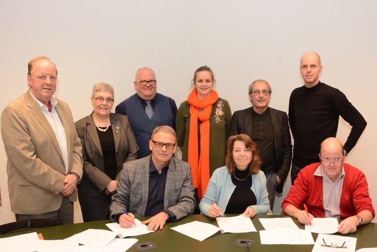 De drie partijvoorzitters van CD&V, Groen en sp.a hebben hun handtekening gezet onder een ambitieus bestuursakkoord waarin klimaat de rode draad is.