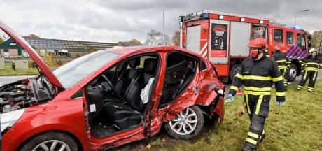 Vrouw bekneld bij ongeluk in Goirle, twee personen en hond gewond