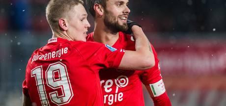Dikke knuffel voor Elia, Twente-spelers genieten van punt tegen Ajax
