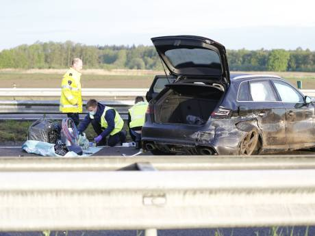 'Verdachte stoffen' in auto gevonden na nachtelijk ongeval op  A73, twee arrestaties