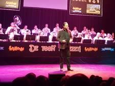De Feestbende steelt show in Speeldoos Vught tijdens vijftienjarig bestaan