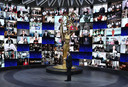 Jimmy Kimmel presenteert de 72e Primetime Emmy Awards ceremonie in Los Angeles, Californië.