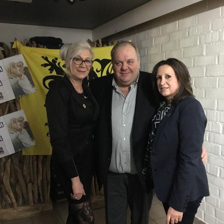 Guy D'haeseleer, hier geflankeerd door gemeenteraadsleden Marita Macharis en Lena Van Boven, was de gastspreker van dienst.