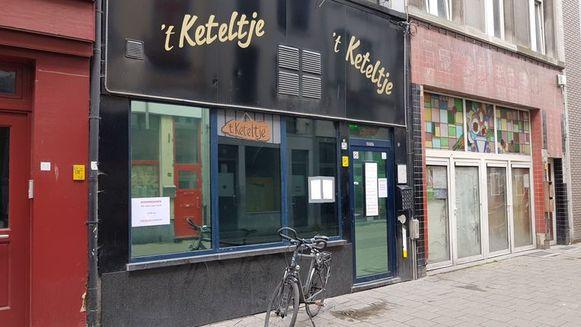 Het gerecht en het stadsbestuur vechten al jaren tegen de prostitutie in café 't Keteltje.