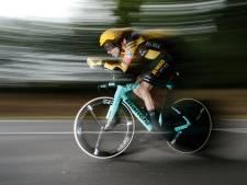 LIVE | Dumoulin snel onderweg in tijdrit, kan Roglic geel veiligstellen?