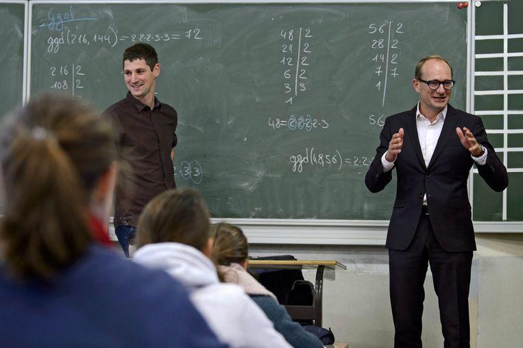 Bezoek van Vlaams minister Ben Weyts aan het Sint-Jan Berchmanscollege in Brussel.