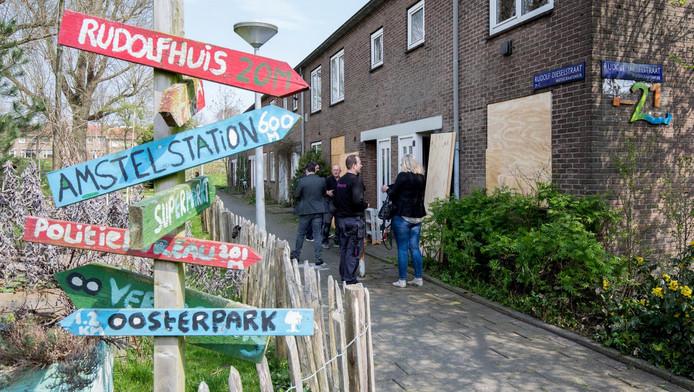 We Are Here heeft twintig panden gekraakt in Amsterdam-Oost.