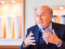 Blatter krijgt geen pensioen en klaagt Infantino aan