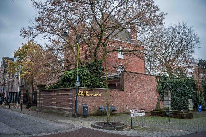 Huis Hellemans maakt deel uit van het beschermde dorpsgezicht Sint-Antoniuskerk en omgeving.
