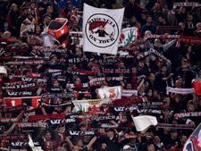 Nice-aanhangers die uitvak Vitesse uitklommen op vrije voeten