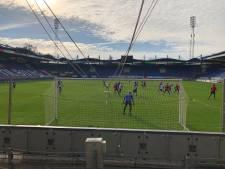 Willem II-supporters maken belangen derby duidelijk bij laatste training