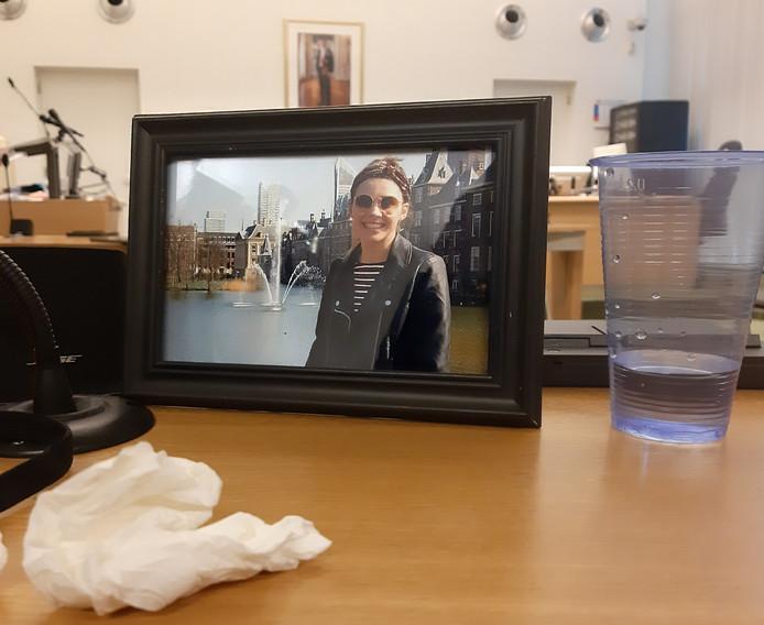 Een portret van Sarah Papenheim in de rechtbank van Rotterdam.