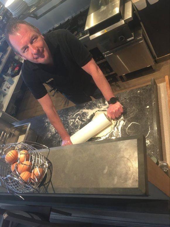 Jan Leveugle van San Marco hoopt  via zijn takeaway en delivery nieuwe klanten te overtuigen die straks ook zijn restaurant zullen bezoeken.