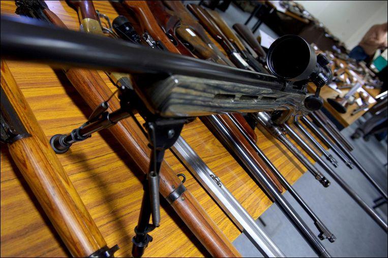 In beslag genomen vuurwapens.