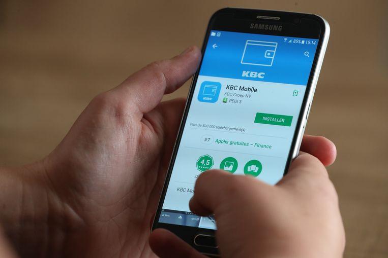 Via de smartphone hebben KBC-klanten binnen de 10 minuten zekerheid over hun woonkrediet.