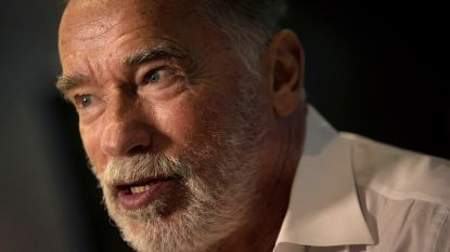 """Arnold Schwarzenegger geeft seksuele intimidatie (een beetje) toe: """"Ik heb een cursus gevolgd"""""""