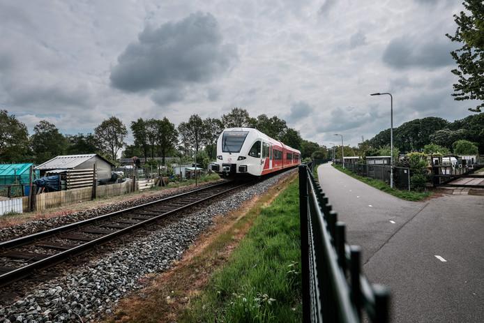 Een Arriva-trein op het traject.