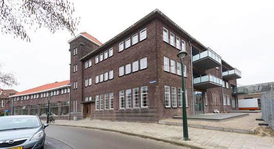 EINDHOVEN - Op het NRE-terrein wordt, aan de Nachtegaallaan, gebouwd aan de appartementen in gebouw 2, van het CPO Twee. Genomineerd Dirk Roosenburgprijs 2019