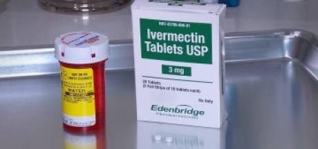 Un médecin utilise un médicament anti-poux pour traiter les patients atteints de la Covid-19