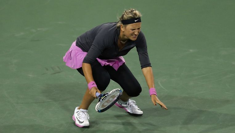 Azarenka verbijt zichtbaar de pijn in haar laatste optreden in maart in Indian Wells.