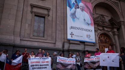 Paus bezoekt Zuid-Amerika, maar laat zijn thuisland opnieuw links liggen