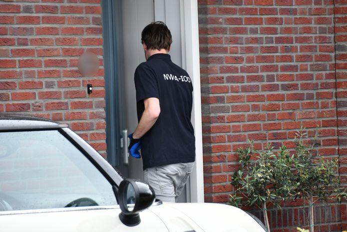 De NVWA doorzocht onder meer een woning in de wijk Goese Diep.