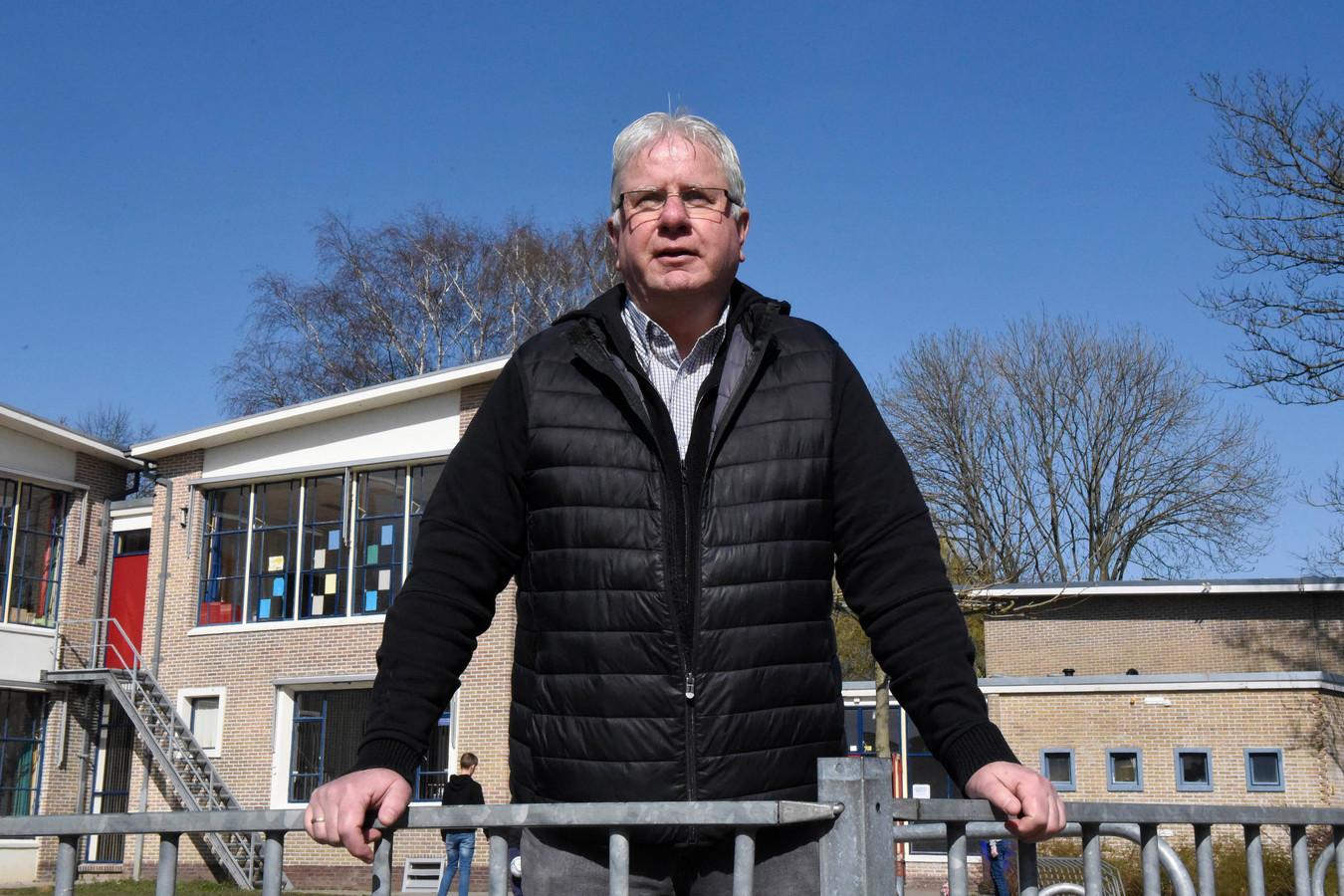 Meester Jan Verboom, van de Willem van Oranjeschool in Woerden, gaat met pensioen op 1 april.