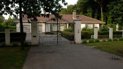 Na negen jaar op de markt: villa van de Pfaffs verkocht aan helft van prijs