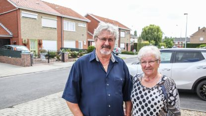"""48 jaar burenruzie in West-Vlaams dorp escaleert: """"De hele straat is tegen ons"""""""