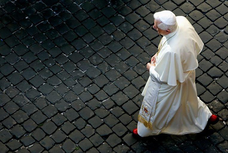 De paus zal geen schoudermantel meer dragen Beeld REUTERS