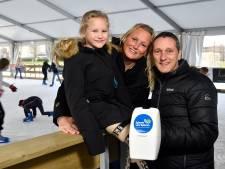 Ninthe (7) is dol op schaatsen, maar kan door een spierziekte het ijs niet op