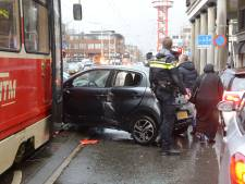 Hobbemastraat: tramverkeer gestremd door aanrijding met auto